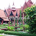 065_P Penh_musée national_patio