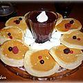 Pancakes et marmelade de fruits rouges