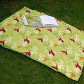 Tapis de sol pour lecture sur l'herbe