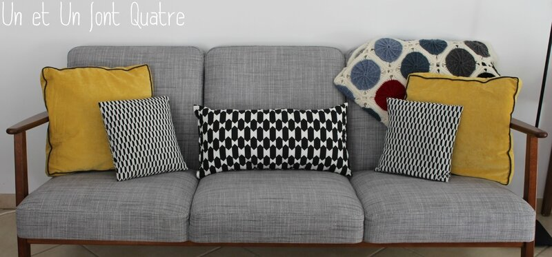 pluie de juillet un et un font quatre. Black Bedroom Furniture Sets. Home Design Ideas