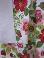 Manteau en lin fleuri sur fond blanc - noeud de lin blanc (6)