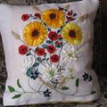 Coussin Broderie au ruban 1