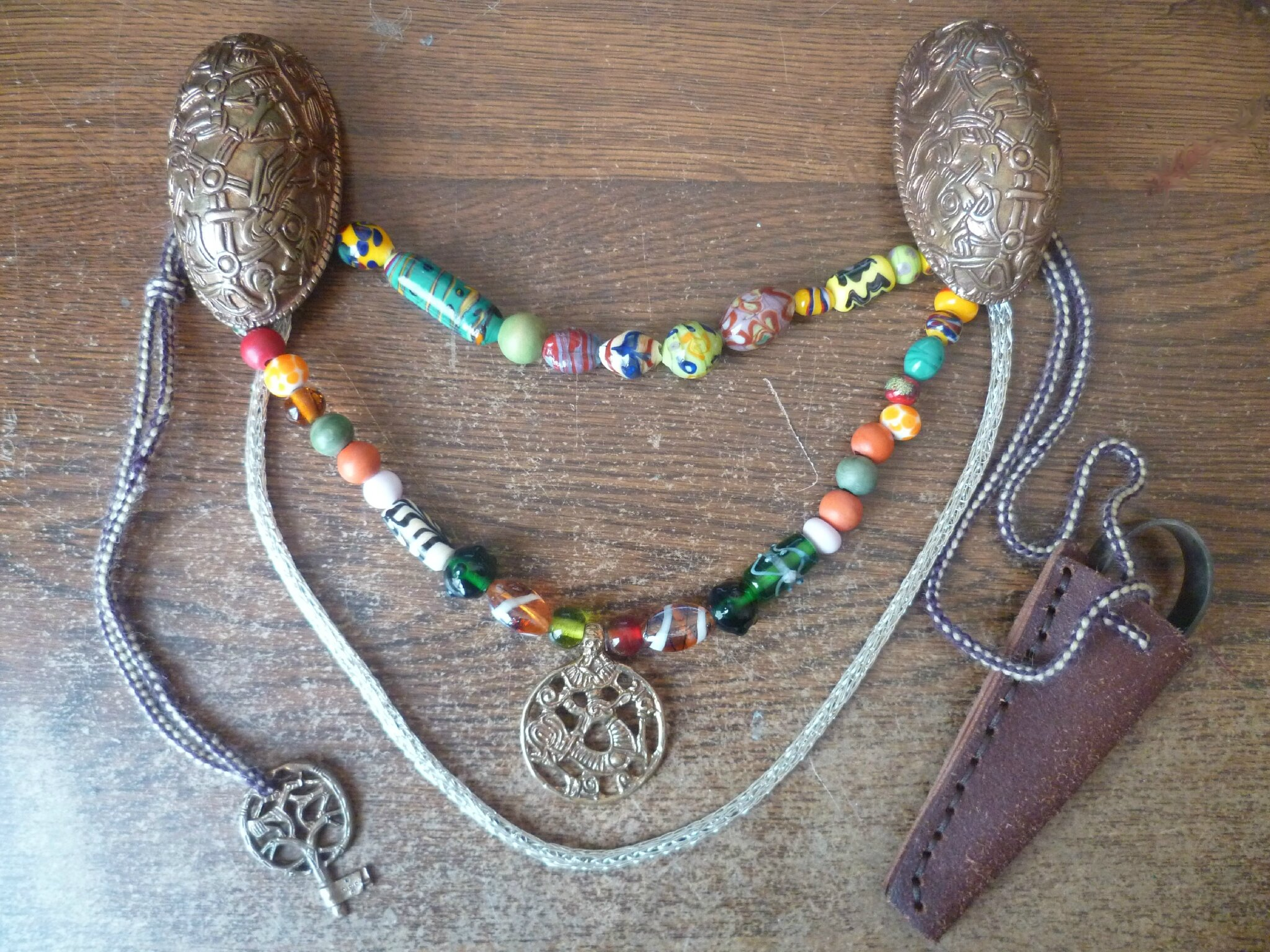 Mes broches et leurs bijoux ~ · collier viking
