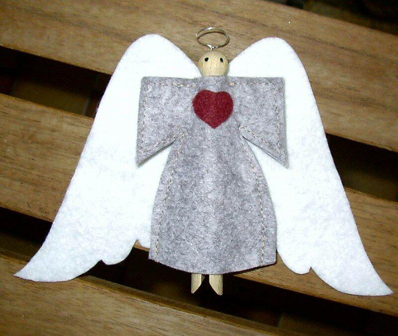 ange en feutrine