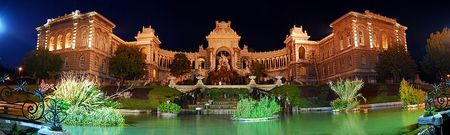 800px_Marseille_Palais_Longchamp_At_Night_JD_22052007