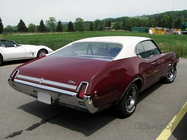 oldsmobile cutlass coupe s 1969 4