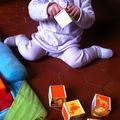 Bébé multitâches