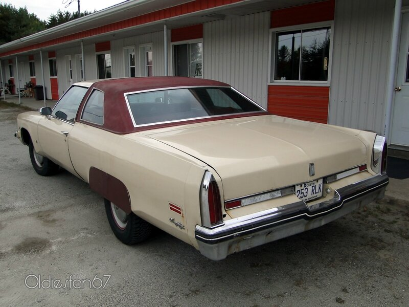 oldsmobile-98-coupe-1975-b