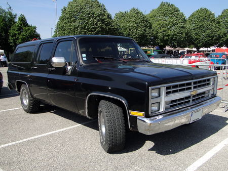 CHEVROLET Suburban 1985 1987 Fun Car Show Illzach 2010 1