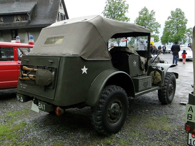 dodge-command-car-1943-02