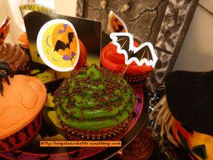 12 10 27 - cupcakes halloween - présentation (16)