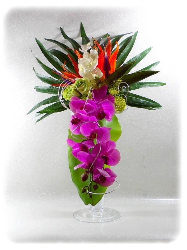Bouquet de mariée exotique orchidée oiseau de paradis roses fuchsia orange vert blanc fil aluminium