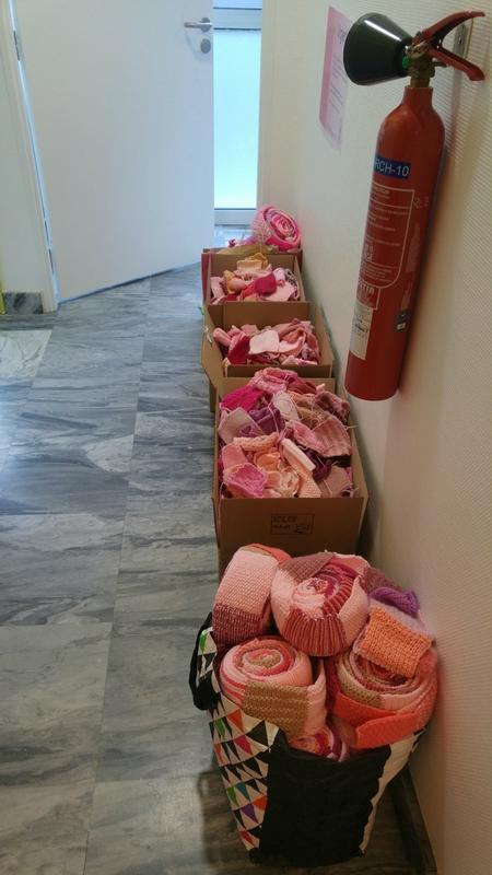 carré rose carton couloir