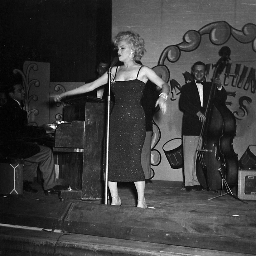 1954-02-19-korea_daegu-inside-stage-016-3