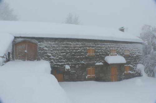 2008 12 15 La maison de Mr et Mme Piégay sous beaucoup de neige