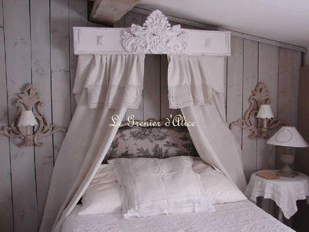 Ciel de lit galbé patiné blanc ornement moulure décoration de charme le grenier d'alice 1