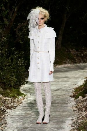 514344_photo-5-defile-chanel-haute-couture-printemps-ete-2013