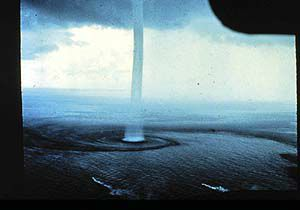 Waterspout_300