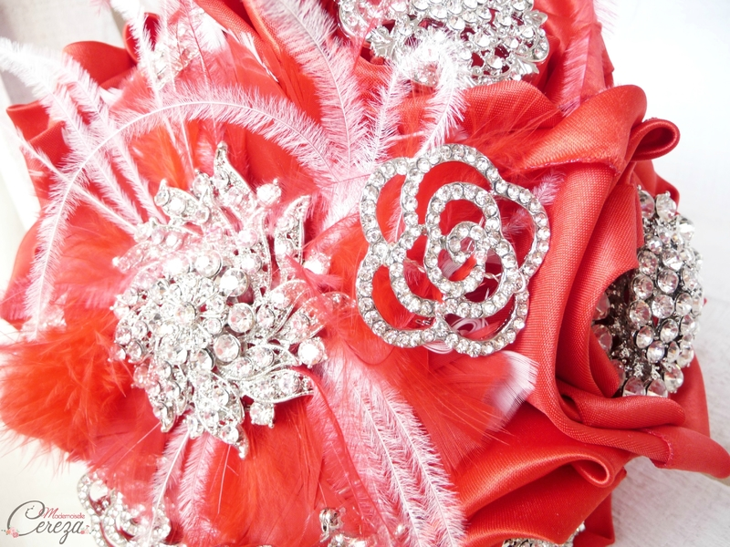 bouquet-bijoux-broches-mariage-chic-strass-original-melle-cereza-deco (9)
