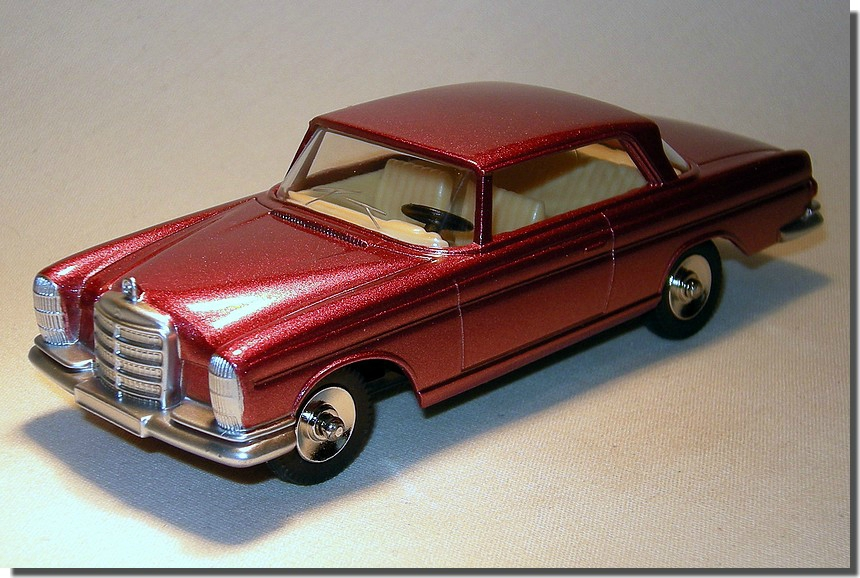 Mercedes Benz 300 Se Mes Collections