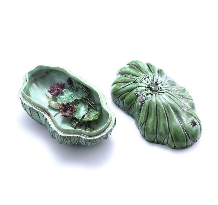 A small 'lotus pond' box and cover, Qing dynasty, Daoguang-Xianfeng period, by Xu Xinshun