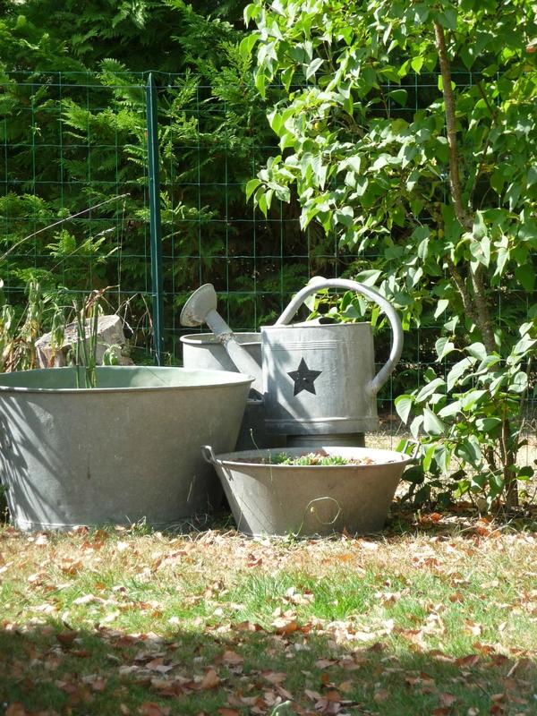 Le zinc au jardin mon atelier de gris et de broc - Bassin ancien de jardin orleans ...