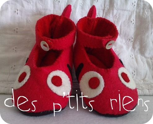 chaussons poisson rouge 6/12 mois
