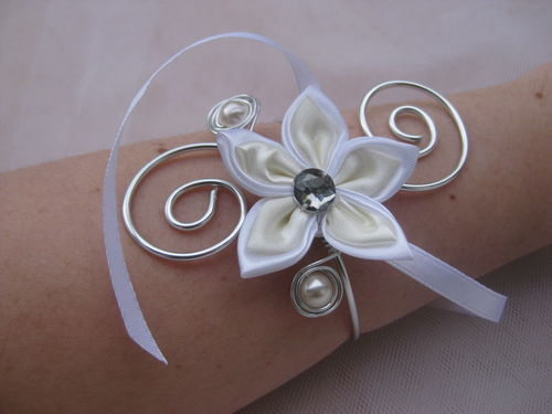 bracelet ivoire blanc fleur satin photo de bracelet mariage bijoux en pagaille bijoux et. Black Bedroom Furniture Sets. Home Design Ideas