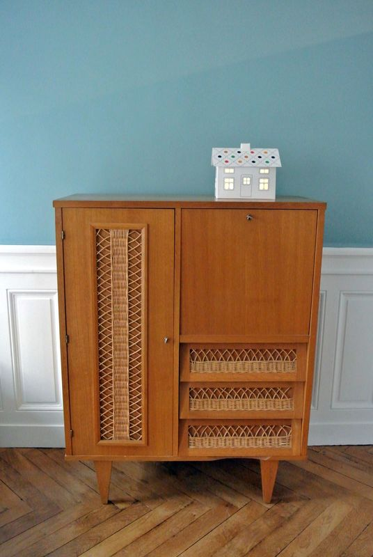 armoire secr taire en ch ne et rotin ann es 60 solveig vintage kids. Black Bedroom Furniture Sets. Home Design Ideas
