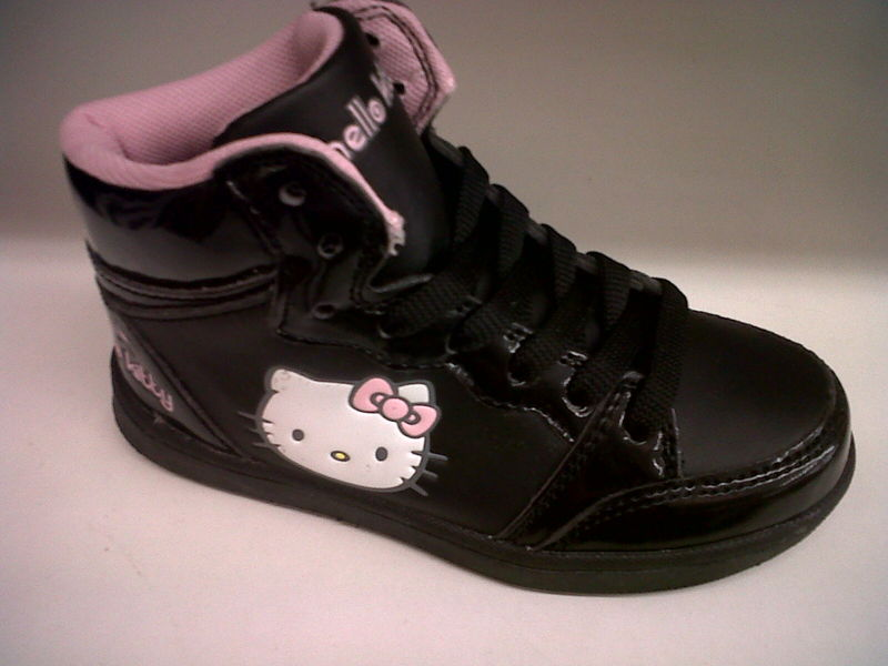 baskets fille hello kitty besson chaussures villab. Black Bedroom Furniture Sets. Home Design Ideas