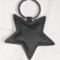 porte-clés 'étoile' en cuir noir