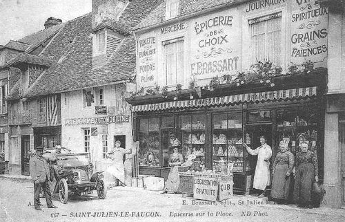 La place : épicerie Brassart