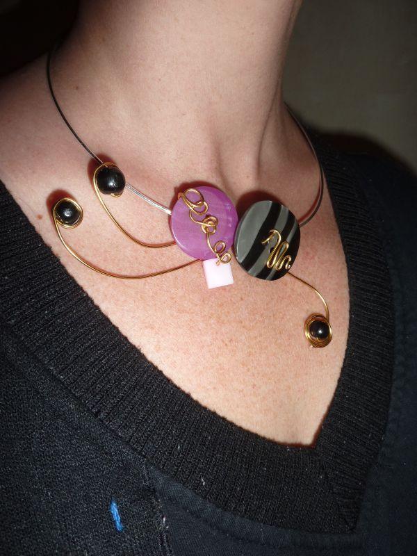 collier boutons mon coffre bijoux. Black Bedroom Furniture Sets. Home Design Ideas