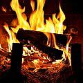 Du bois dans la cheminee