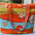 Couture : un cabas peace and love
