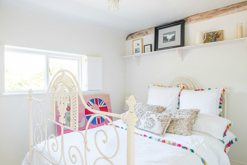 Brook-Lodge-SO24-other-uk-houses-068-1200x801