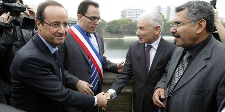 1589249_3_c57a_francois-hollande-accompagne-du-maire