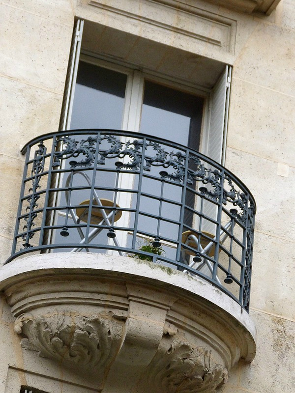 balcon rond place CD