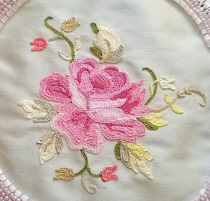 La rose de mon sac brodé