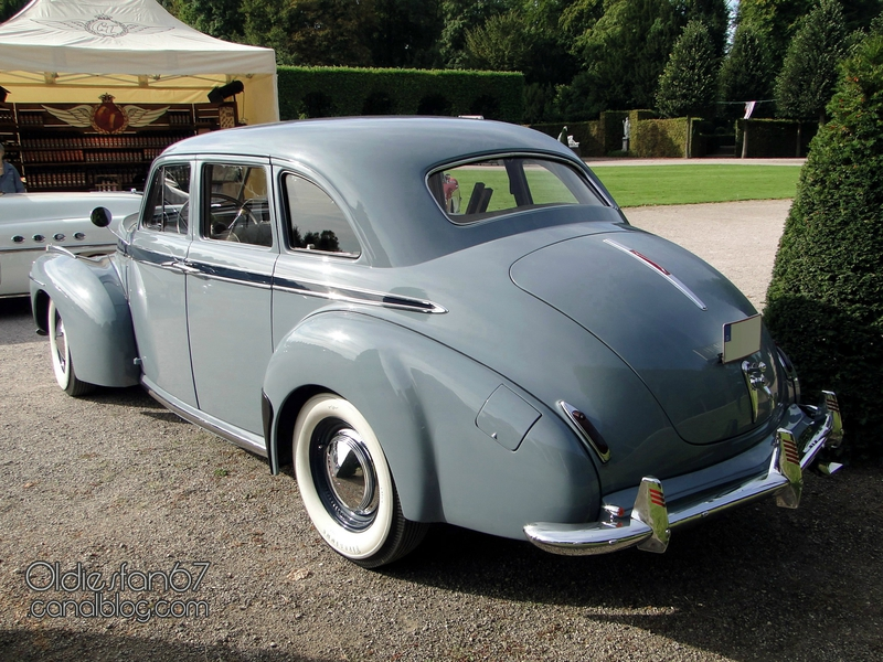 studebaker-commander-sedan-1941-2