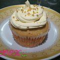 Cup cake coeur lemon curd et creme au beurre legere citronnee