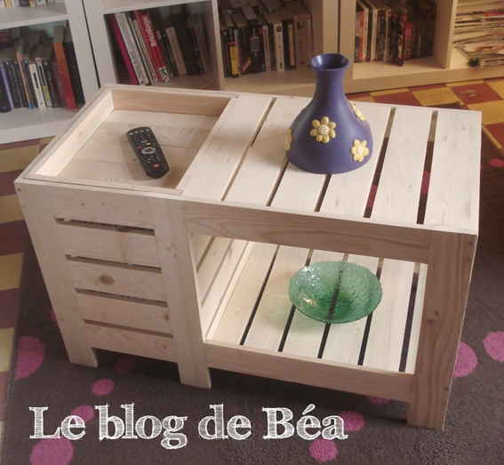 table basse en bois de palette avec coffre de rangement. Black Bedroom Furniture Sets. Home Design Ideas