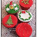 Cupcakes pour l'école de mon teo, décoration en pâte a sucre...