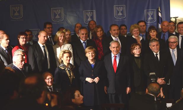 Angela Merkel et Netanyahou et leurs cabinets à Jérusalem février 2014