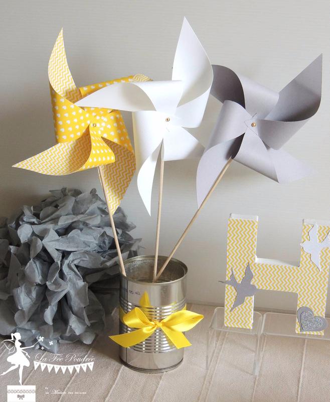 moulin a vent jaune gris blanc lettre prenom decoree