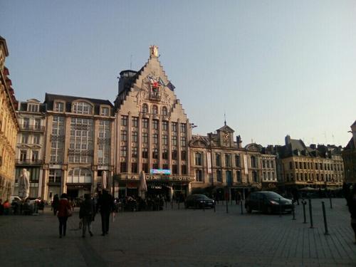 La grande place de Lille, la Voix du Nord