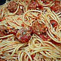 Spaghetti e salsiccia , spaghetti  la saucisse