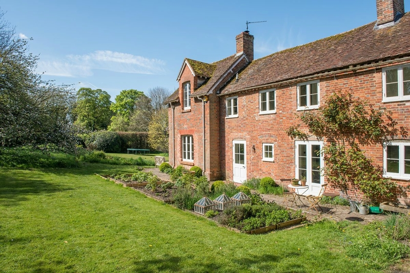 Brook-Lodge-SO24-other-uk-houses-031-1200x801