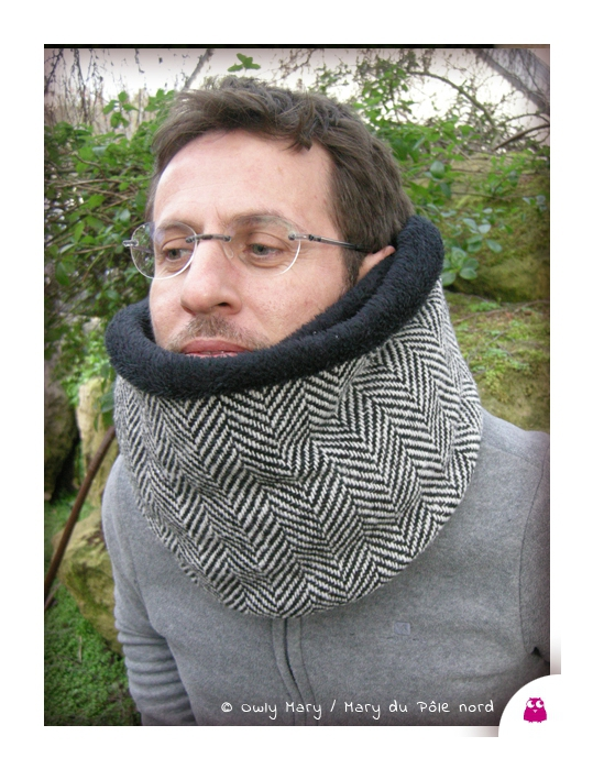 DSCN9687-snood-double-owly-mary-du-pole-nord-laine-chevron-noir-blanc-ecru-lainage-pascal--polaire-doudou-double-chaud-fait-main