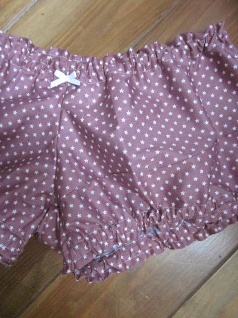 Culotte BIANCA en coton vieux rose parsemé d'étoiles blanches - noeud blanc - Tailles 44-46 (1)
